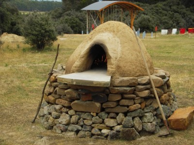An Outdoor Oven Perfect For Off The Grid Living Off The