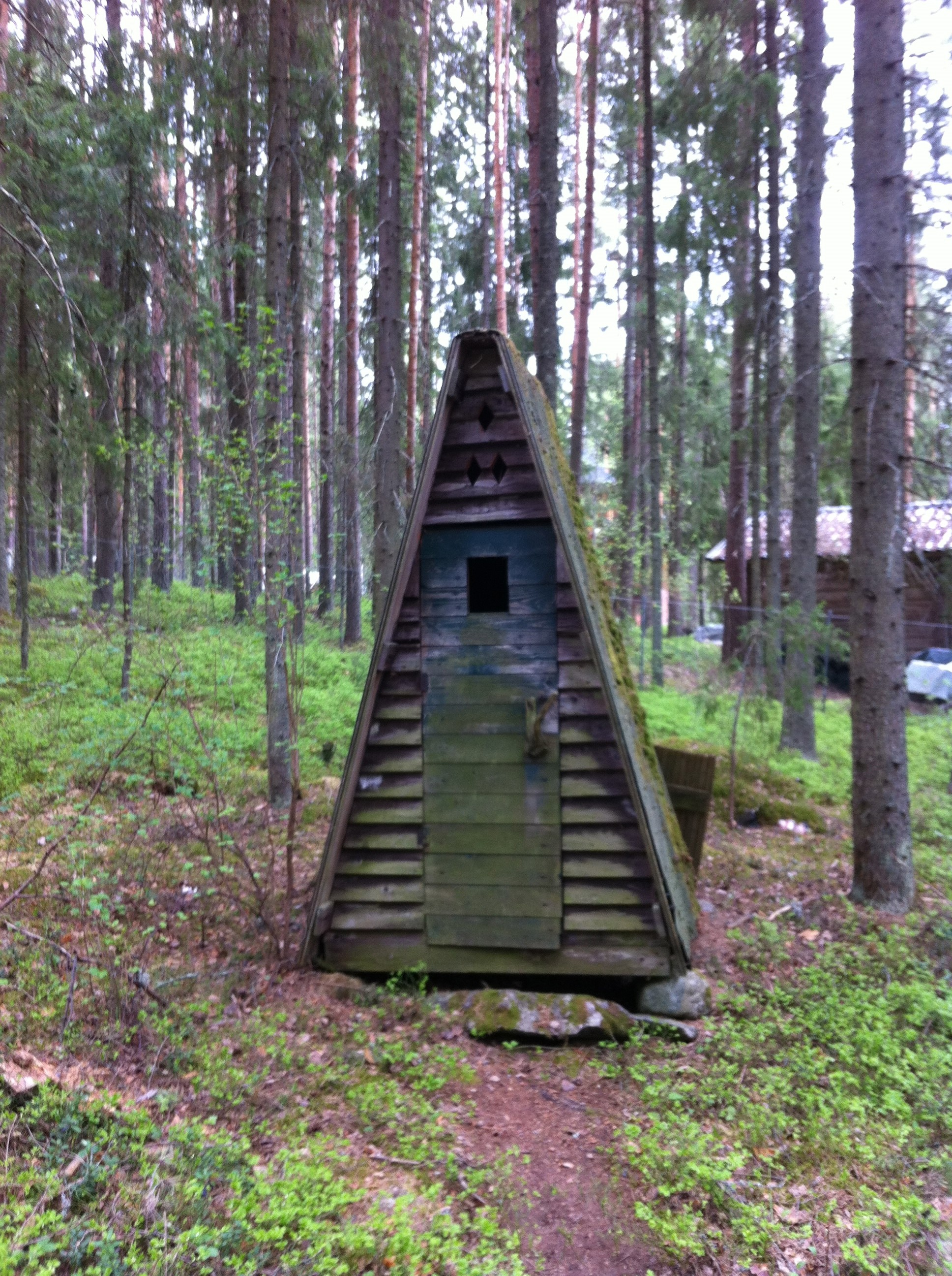 How to build a modern day outhouse off the grid news - How to build a house frame ideas ...