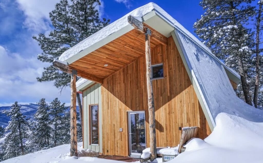 The Sun Heats His Off-Grid 'Passive Home' – Even When It's 0 Degrees Outside