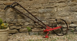 Off The Grid Garden Tools For Spring