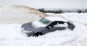 5 Must-Have Winter Survival Items Every Car Needs