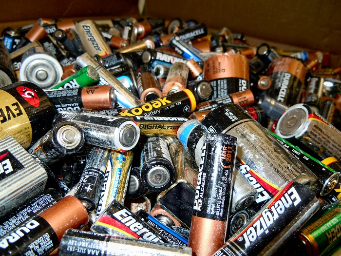 How To Easily Bring Your Dead Batteries Back To Life Off The Grid News