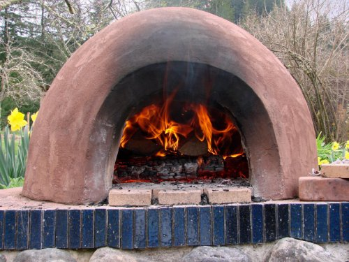 The easy cheap way to make a cob oven off the grid news for Cheapest way to build a building