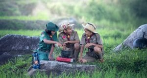 5 Outdoor Survival Skills Every Child Should Know