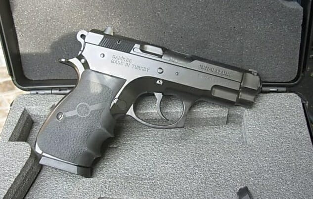 The 360 All Metal 9mm That S Great For Concealed Carry