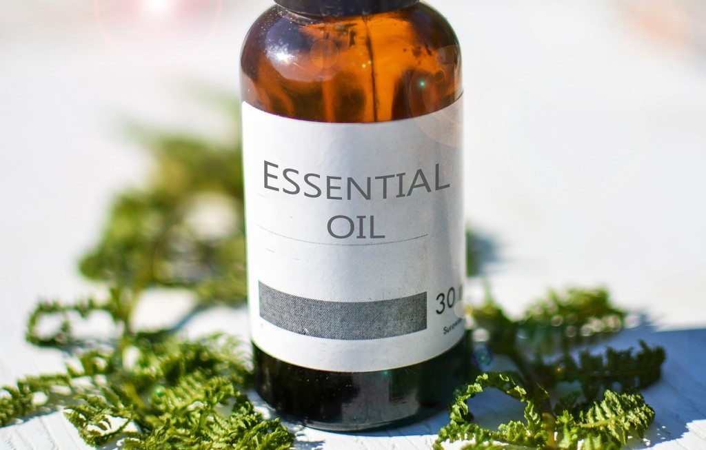 The Smart & Easy Way To Make Your Own Essential Oils